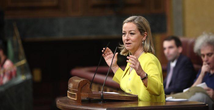 Ana Oramas (CC) pide disculpas por su comentario en el Congreso y anuncia una visita a Las Tres Mil Viviendas