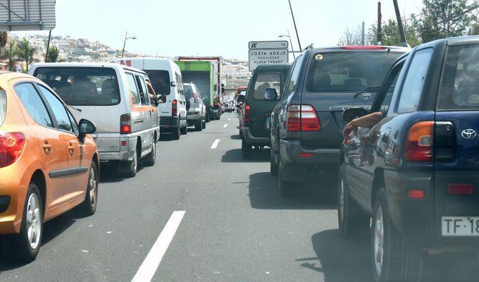 Hasta 100.000 coches diarios circulan por la autopista del Sur