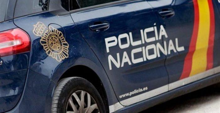 Empotra un coche robado contra un bingo en Santa Cruz y se lleva 20.000 euros