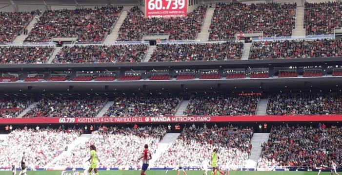 El Metropolitano bate el récord mundial de asistencia a un partido de fútbol femenino con 60.739 espectadores