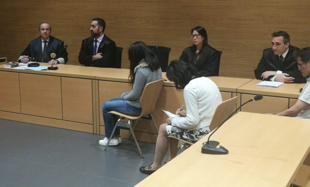 La condenada, durante el juicio  DA