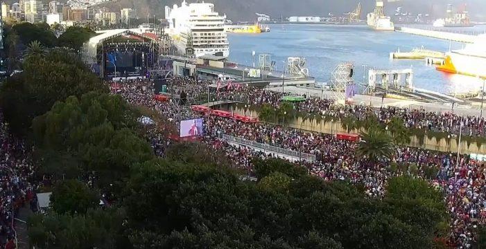 El Carnaval de Día y Juan Luis Guerra ponen hoy colofón a la fiesta