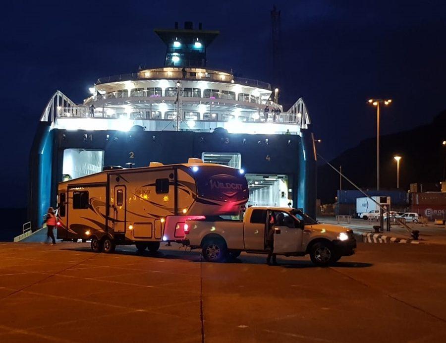 Llegada anoche al puerto capitalino del barco de Fred Olsen fletado para el rodaje de la superproducción de Neflitx en La Palma.