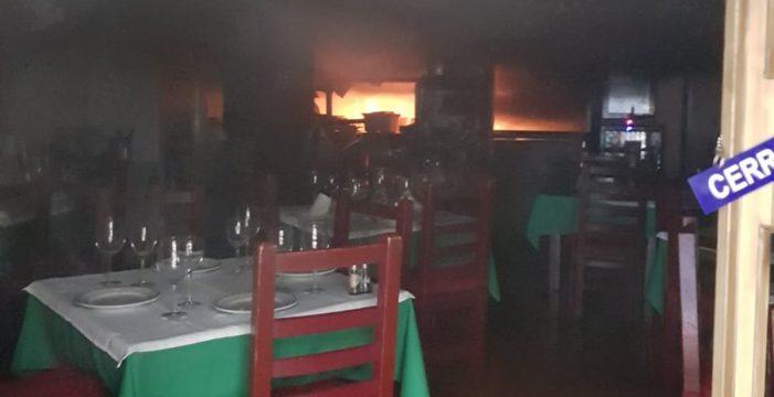 Sofocado el incendio de un restaurante en la calle Doctor Guigou de Santa Cruz