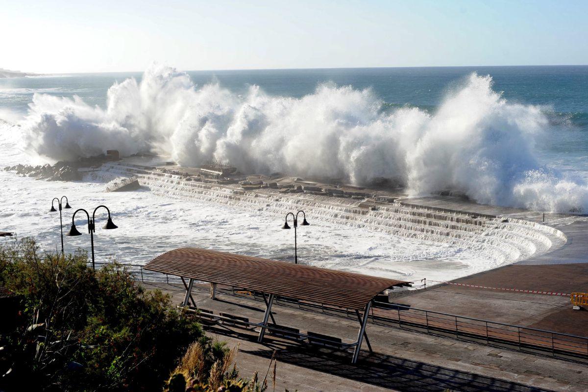 La mayoría de los destrozos que presenta el dique de Bajamar son consecuencia de los temporales de 2012 y 2013. / DA