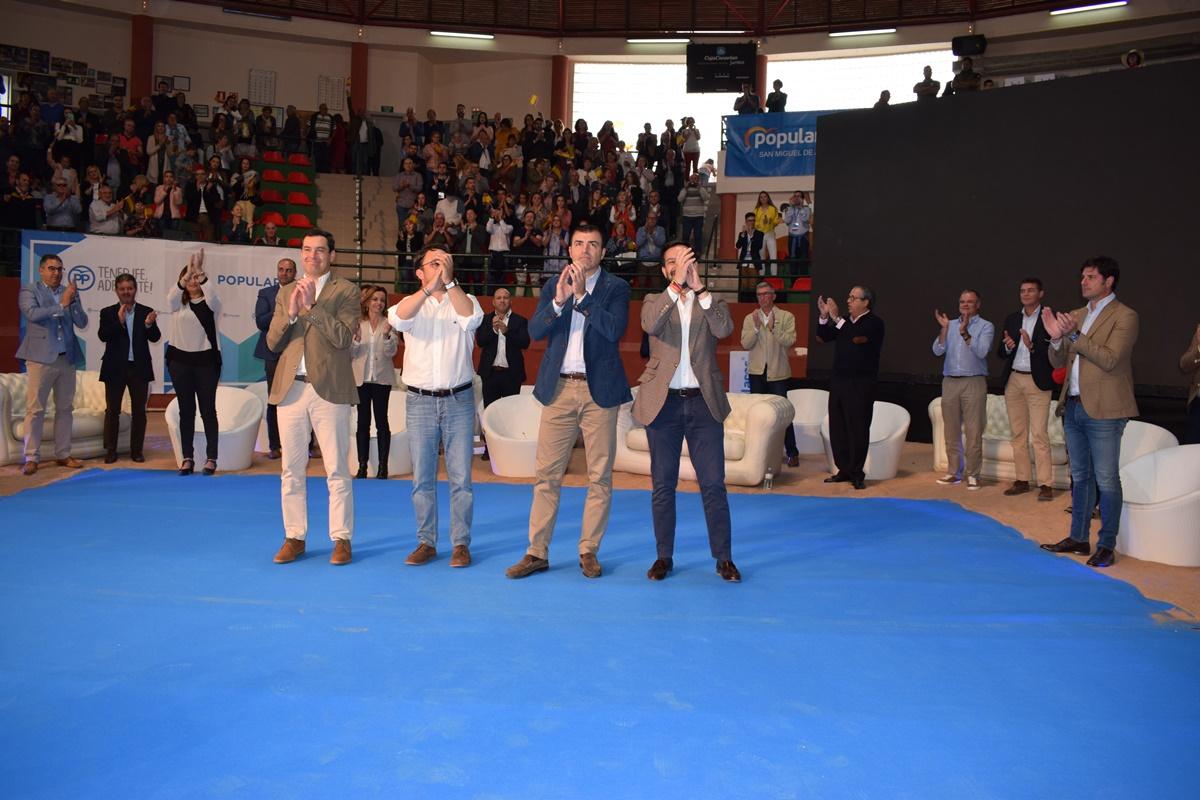 Acto de presentación de las candidaturas del PP, en el campo de lucha Santiago Yanes (recuadro), del Puerto de la Cruz. DA