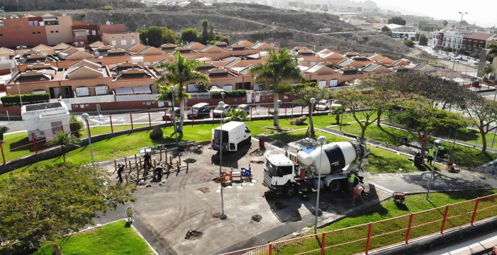 Adeje estrenará este mes el mayor parque infantil inclusivo del municipio