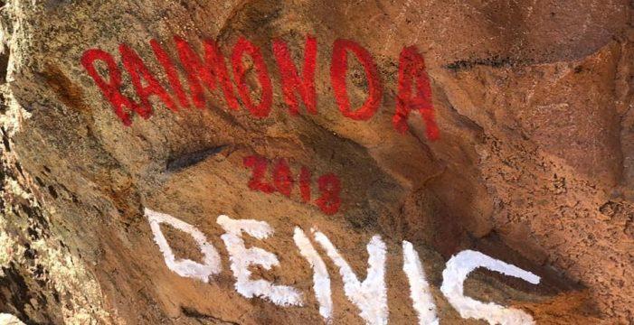 Otro atentado más al patrimonio natural: Pintadas en el lugar sagrado de Roque de Jama