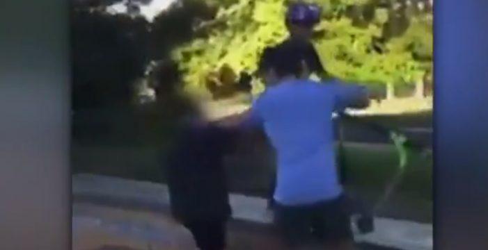 Polémico vídeo de un padre golpeando a los acosadores de su hijo