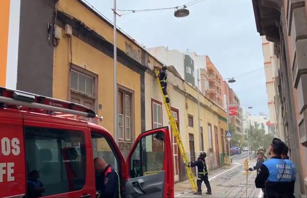 Bomberos actúan en calle San Clemente