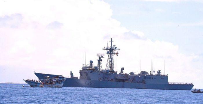 La fragata Navarra libera un pesquero yemení secuestrado frente a la costa de Somalia
