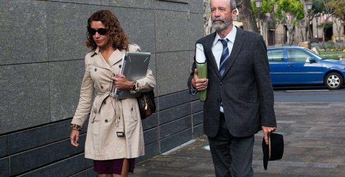 Santiago Pérez (XTF-NC) acusa a Clavijo de intentar echar la culpa del caso Grúas a los funcionarios