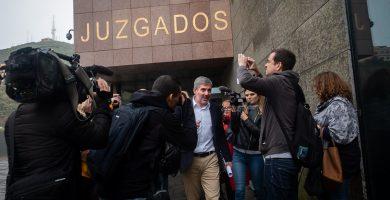 Clavijo descarga sus posibles responsabilidades en los técnicos municipales