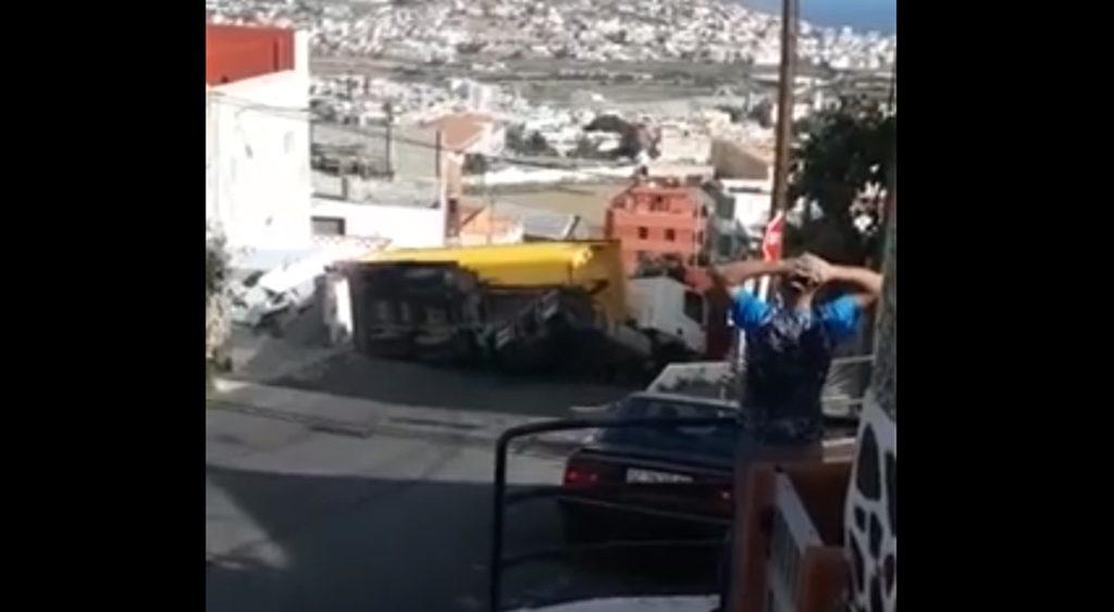 Vuelco camión en Gran Canaria
