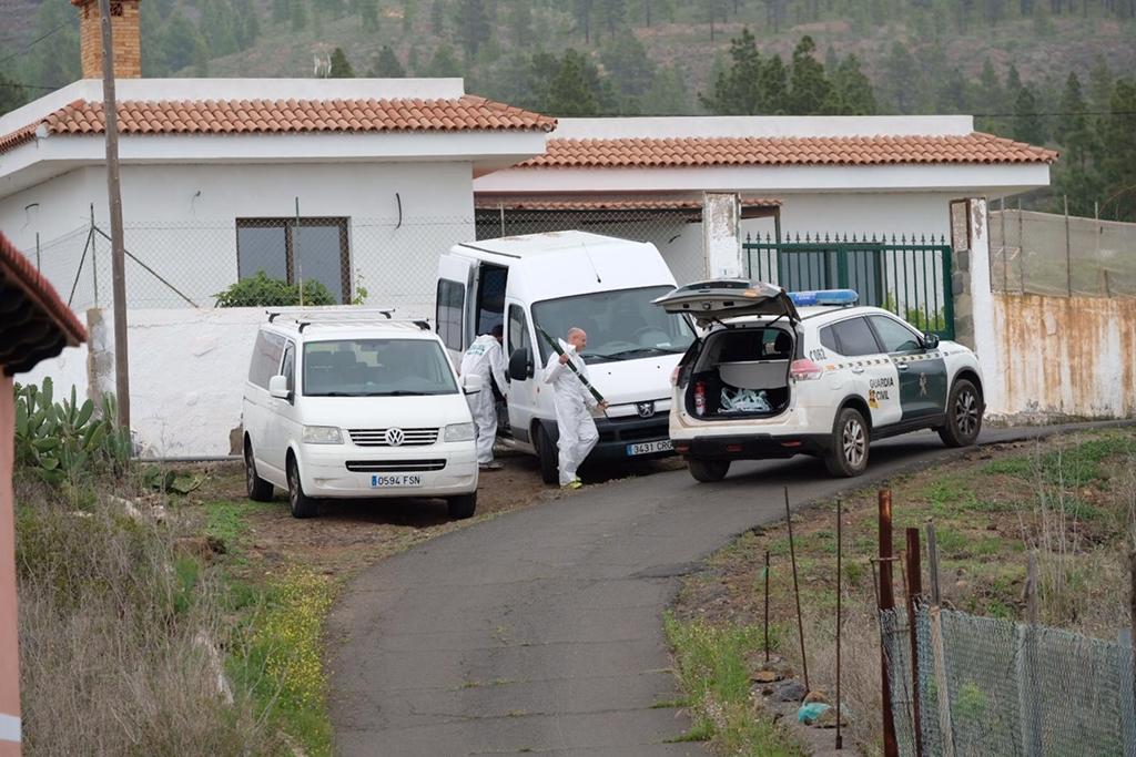La Guardia Civil encontró los cuerpos de la mujer y su hijo desaparecidos en Adeje  FRAN PALLERO