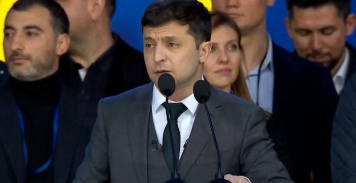 El humorista Zelenski se impone en las presidenciales de Ucrania con más del 70% de los votos