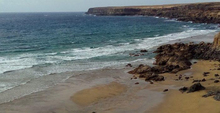 Un hombre fallece al tratar de socorrer a una mujer en apuros en aguas de Fuerteventura