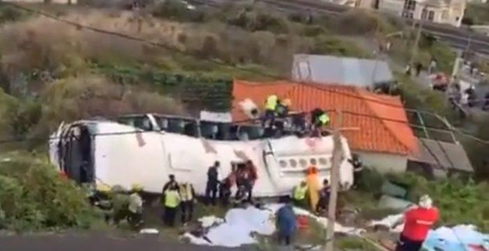 Al menos 29 muertos en un accidente de una guagua turística en la isla de Madeira