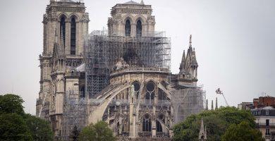 Notre Dame será protegida con 'gran paraguas' para evitar nuevos daños