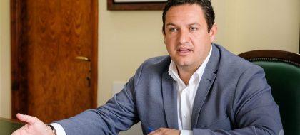 """José Julián Mena: """"El Sur sufre cada día el fracaso del modelo de CC"""""""