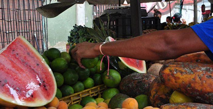 Cuando el precio de un kilo de limones equivale al salario mínimo