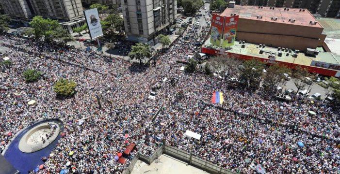 Guaidó recupera el pulso de la calle para derrocar al chavismo