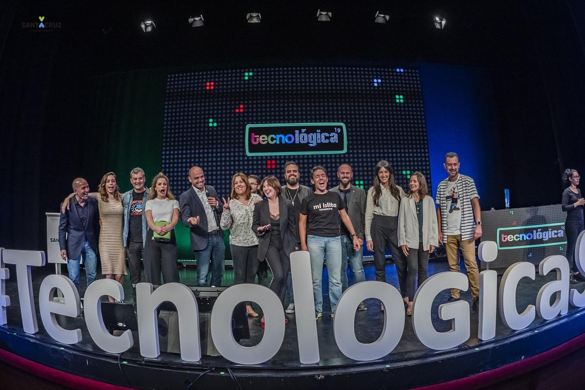 La novena edición de Tecnológica contó con 13 ponentes, que disertaron sobre una gran variedad de temas en el escenario del Teatro Guimerá. DA