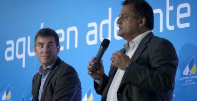 Fernando Clavijo y José Alberto Díaz, durante la campaña electoral de 2015. DA