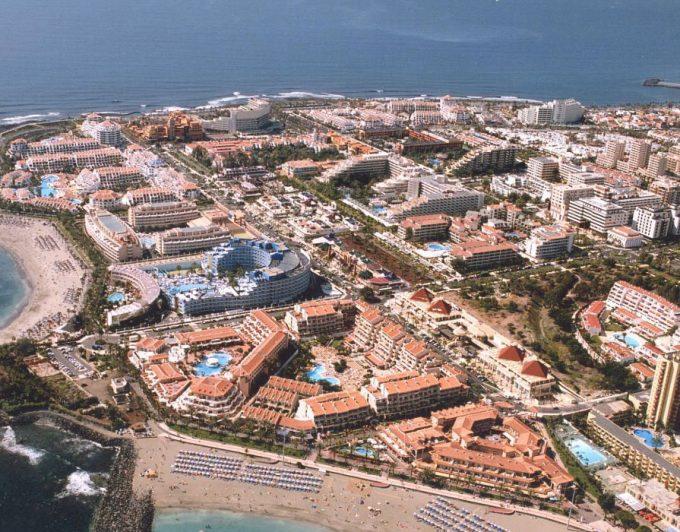 Los empresarios del Sur de Tenerife cargan contra la ley estrella de Clavijo