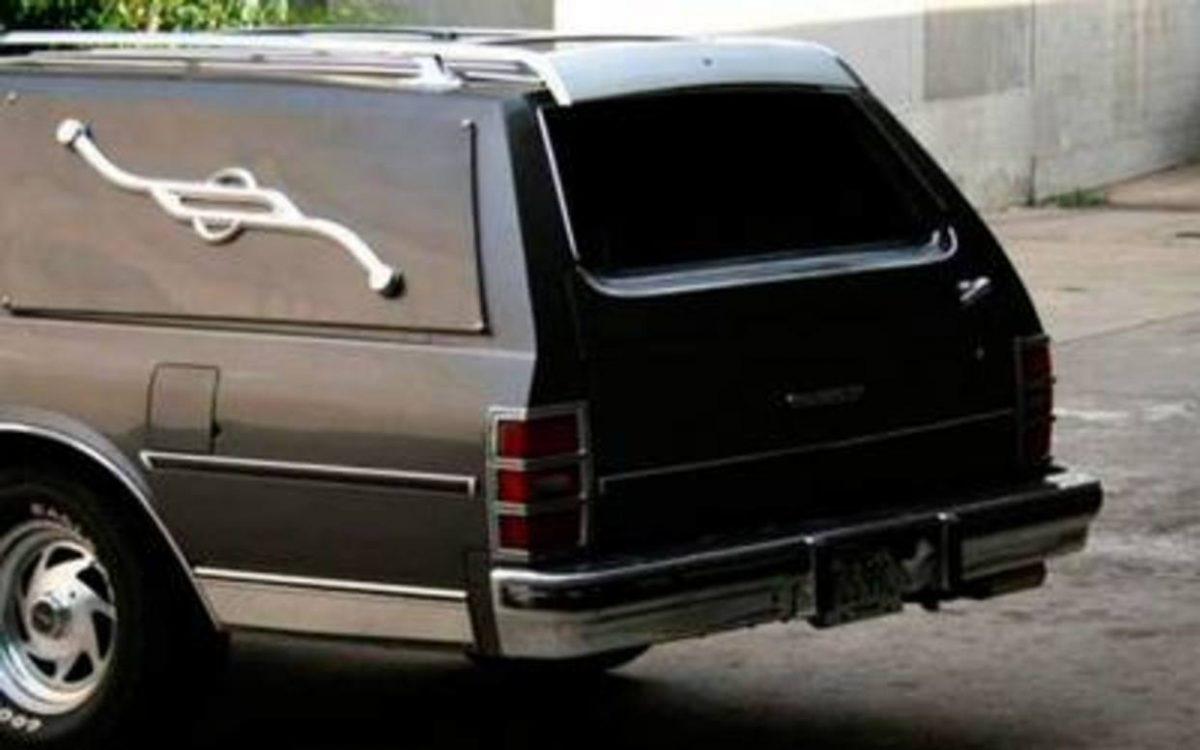 Coche fúnebre. El Nacional