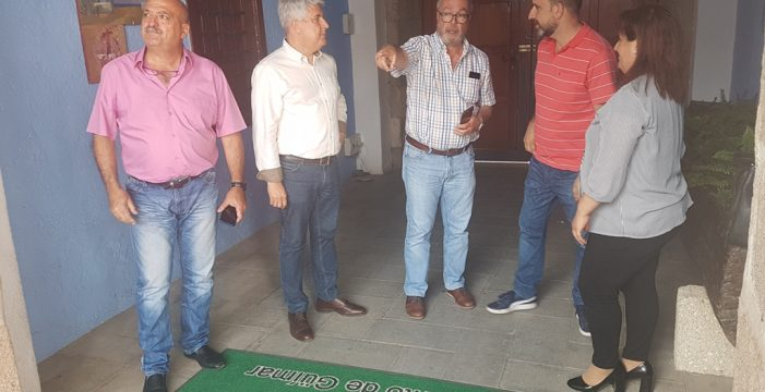 El grupo de Gobierno de Arafo se encierra en el Ayuntamiento de Güímar por la falta de respuesta de este consistorio con los vertidos