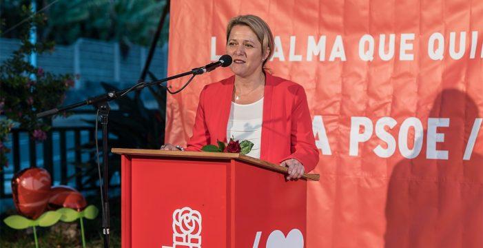 El PSOE de Los Llanos presenta al equipo que acompaña a Vanoostende