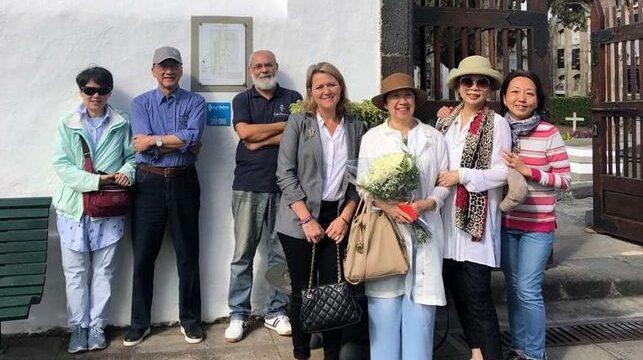 Los hermanos de Sanmao visitan en La Palma los hitos de la ruta turística que homenajea la huella de la escritora china en la Isla