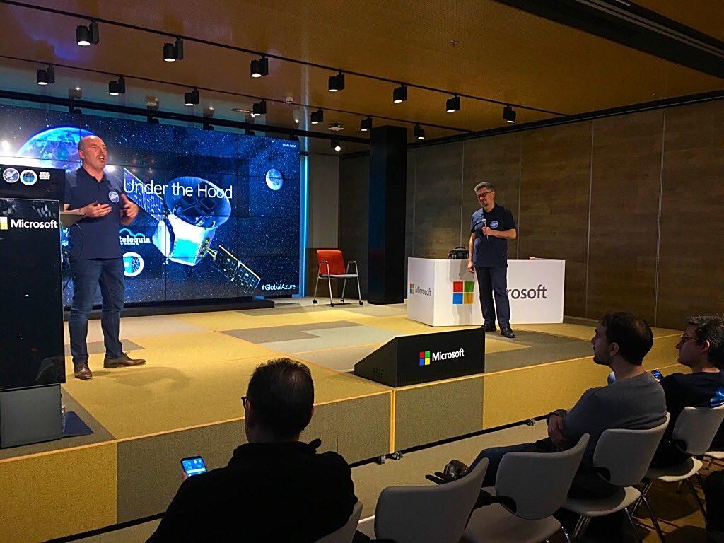 David Rodríguez de y Sebastián Hidalgo del IAC en el Global Azure Bootcamp / DA