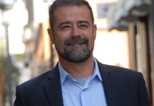 La mejora de internet y del servicio del taxi de Puerto Naos, en la agenda de Francisco Montes de Oca (CC)