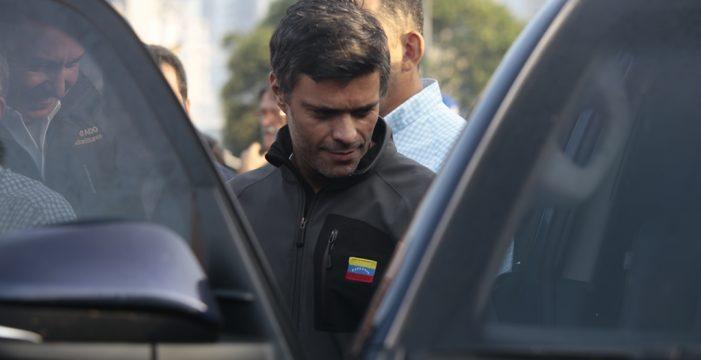 Leopoldo López y su familia se refugian en la embajada de España en Caracas pero no ha pedido asilo político