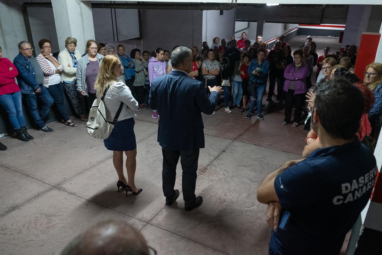 Reunión de los vecinos con el alcalde de La Laguna. Fran Pallero
