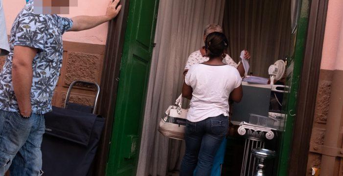 Comida por propaganda electoral: denuncian una entrega de alimentos con reparto de publicidad de CC en Santa Cruz