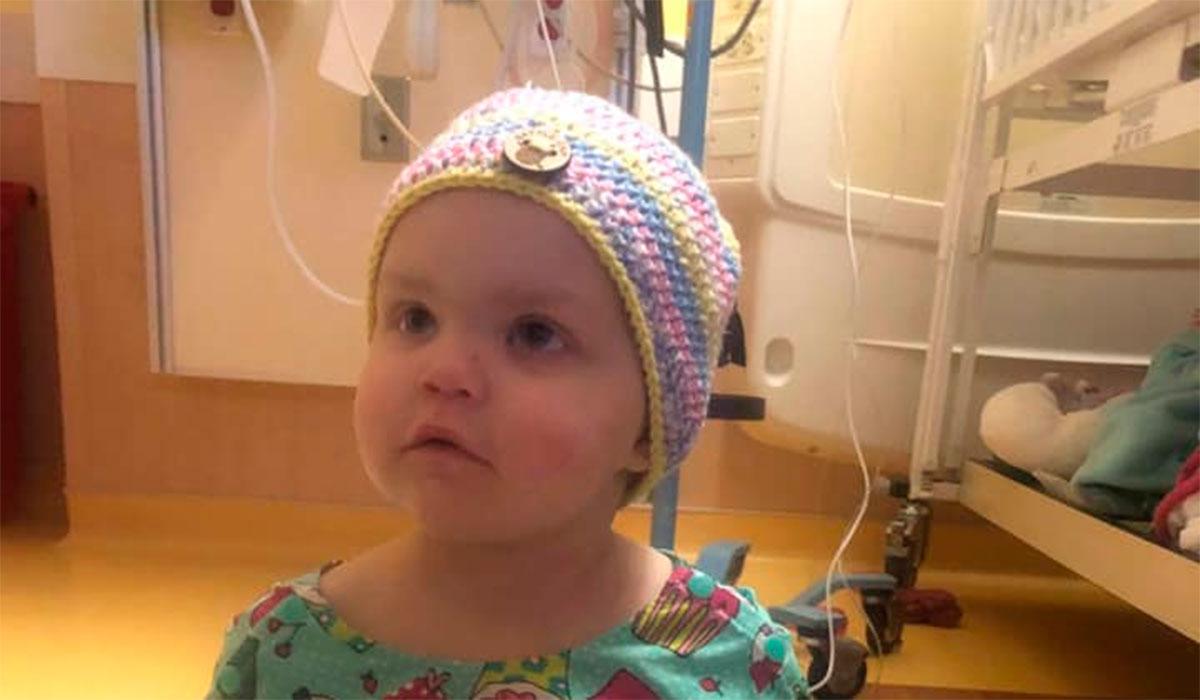 Resultado de imagen para Una mujer negó una donación a una niña con cáncer porque es hija de lesbianas
