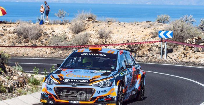 Iván Ares se corona en el Rally de Adeje