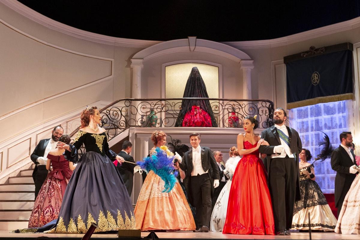 El Cabildo lleva fuera del Auditorio de Tenerife su montaje de La traviata. DA