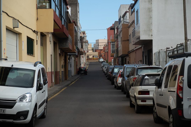 Vista general de una de las vias del barrio Camino La Villa. / FRAN PALLERO