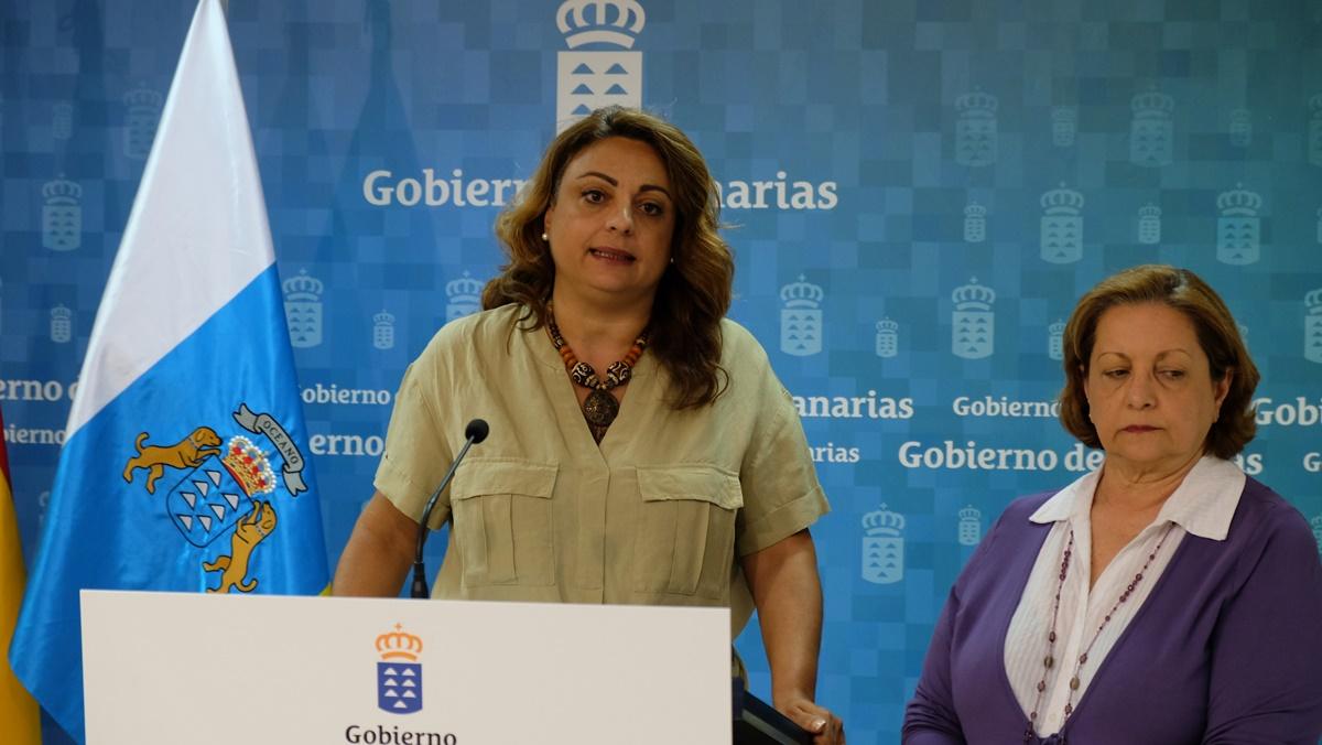 Cristina Valido, durante la rueda de prensa en la que explicó las medidas que va a adoptar el Gobierno canario. DA
