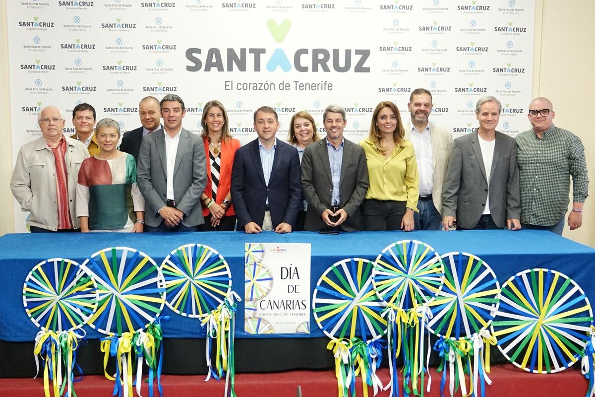 El alcalde, José Manuel Bermúdez, presentó ayer el programa del Día de Canarias. DA