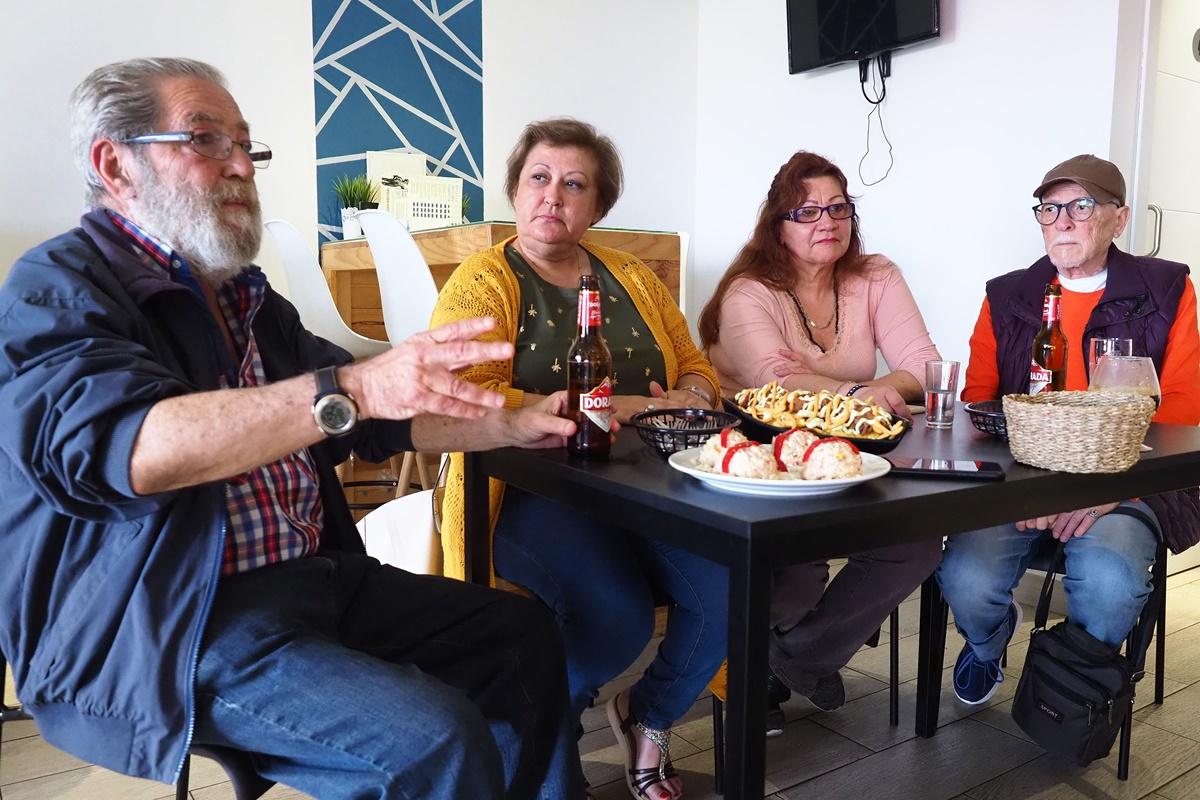 Imagen del debate ciudadano de DIARIO DE AVISOS sobre las elecciones del 26-M, celebrado el pasado jueves en el bar Arkaba de la capitalina avenida de Anaga. Sergio Méndez