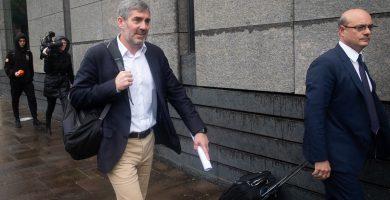El presidente de Canarias en funciones, Fernando Clavijo, tras declarar como imputado en el caso Grúas. Fran Pallero