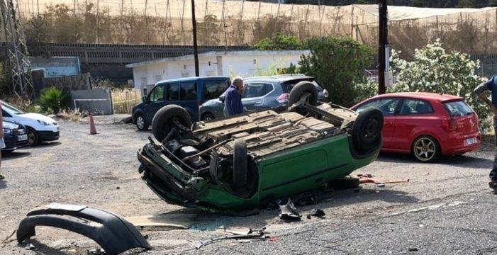 Dos heridos tras el vuelco de un vehículo en Candelaria