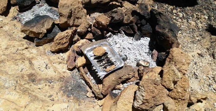 Unas fotos en redes sociales muestran a los posibles autores de la temeraria barbacoa en el Teide