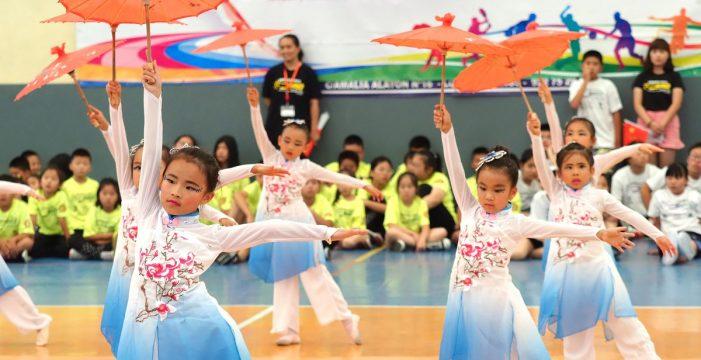 300 niños chinos celebran en Los Cristianos el Día Internacional Juvenil