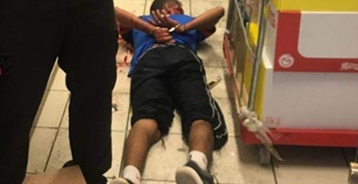 Un vigilante de seguridad, apuñalado al frustrar un atraco en un supermercado Arona